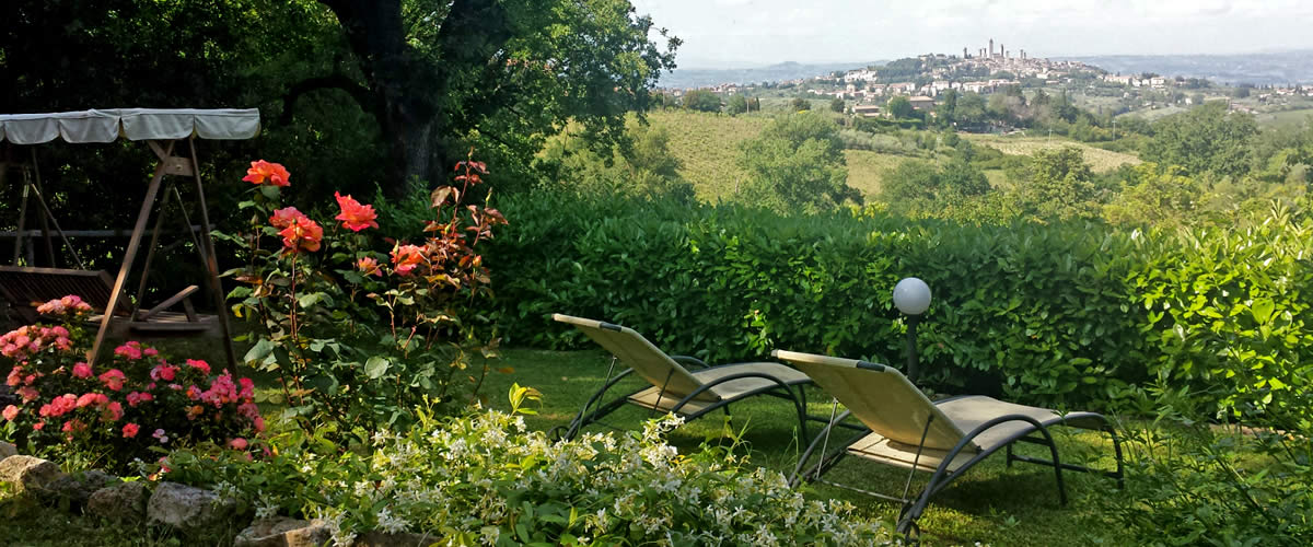 Romantic b&b with a view over San Gimignano, Tuscany