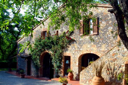 B&b in San Gimignano countryside