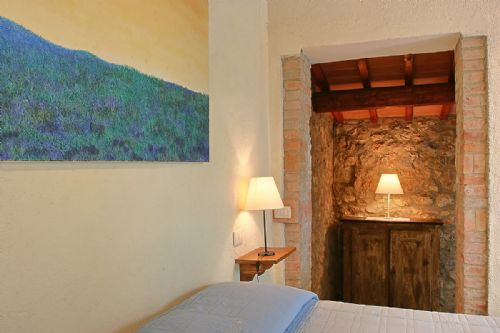 Rustic chic rooms in b&b Villa Baciolo